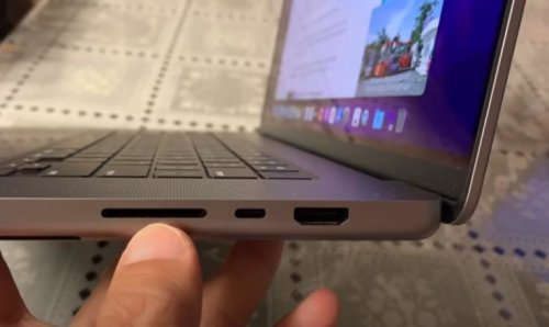 Video: Someone already has their hands on the new MacBook Pro