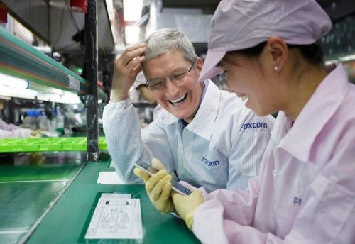 Foxconn, Pegatron increasing recruitment bonuses to deal with iPhone demand