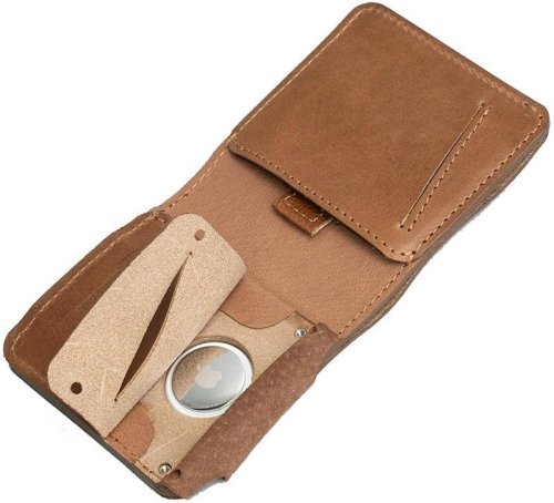 Make your wallet unlosable with a specialized AirTag wallet