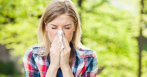 Allergie e mal di testa aumentano in primavera, come prevenirli