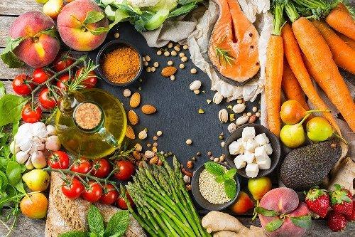 Dieta dopo i 50 anni: come alimentarsi