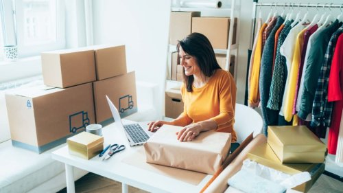 Why Summer 2021 Is a Great Time to Launch an E-Commerce Side Hustle