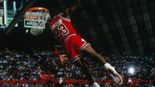 How Michael Jordan's Trainer Used Emotional Intelligence to Help Him Become the GOAT