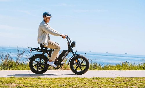 Juiced Scorpion X, an electric moped-style bike with range of over 55 miles
