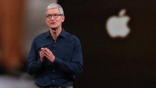 Tim Cook's 5-Word Response to Facebook Is Brutal and Brilliant at the Same Time