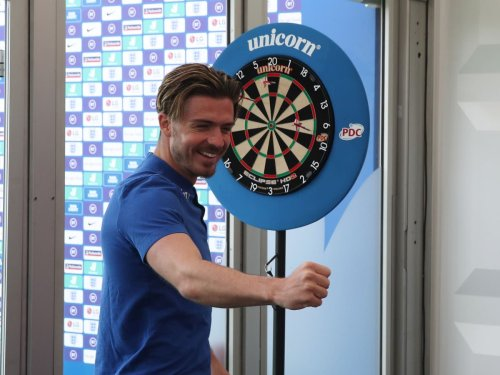 Darts, basketball and Uno – how England are staying entertained in Covid bubble