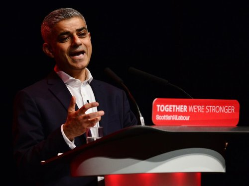 Sadiq Khan urges Boris Johnson to relax self-isolation rules earlier