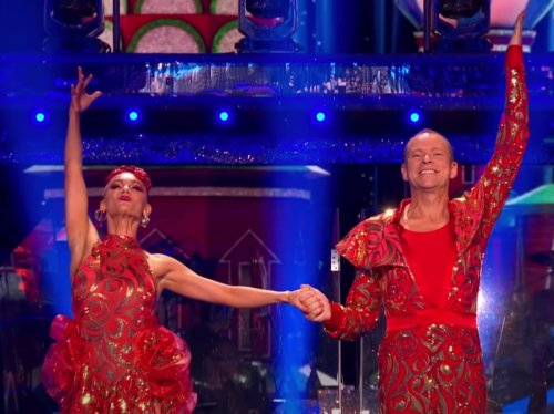 Robert Webb quits Strictly Come Dancing due to 'ill health'