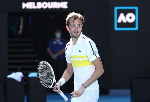 Daniil Medvedev dominates compatriot Andrey Rublev to advance to semi-finals