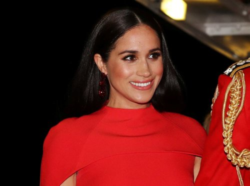 Resurfaced photo of Meghan Markle sparks online conspiracy theory about how much she knew about Royals