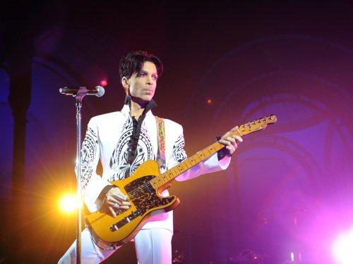 Album reviews: Prince – Welcome 2 America and LUMP – Animal