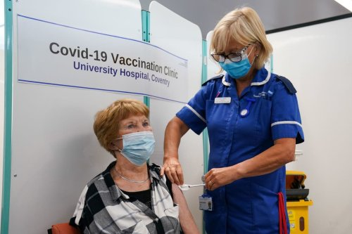 Six-month wait between second Covid dose and booster shot 'sweet spot'