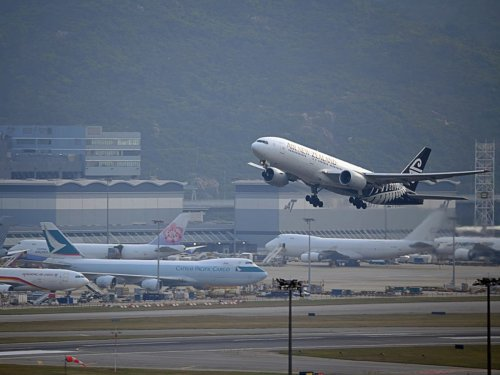 Air New Zealand passengers asked to weigh themselves before flight
