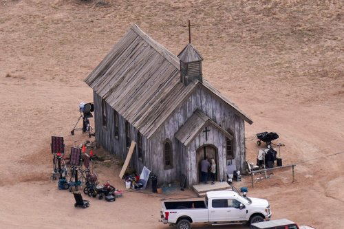 How live ammo got on set still a mystery in Alec Baldwin shooting