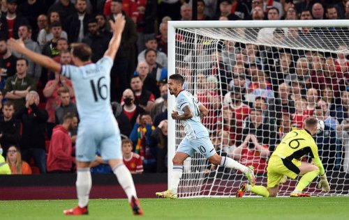 West Ham earn quick revenge as Lanzini knocks Man United out of Carabao Cup