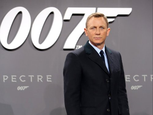 Daniel Craig chokes up while saying goodbye to James Bond