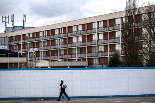 Asylum seekers subject to 'dehumanising' treatment in hotels, report finds