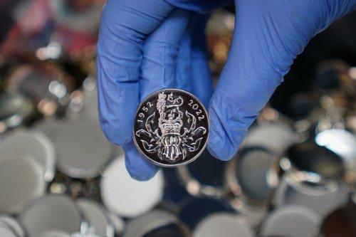 Nadine Dorries praises design of Queen's Platinum Jubilee medal