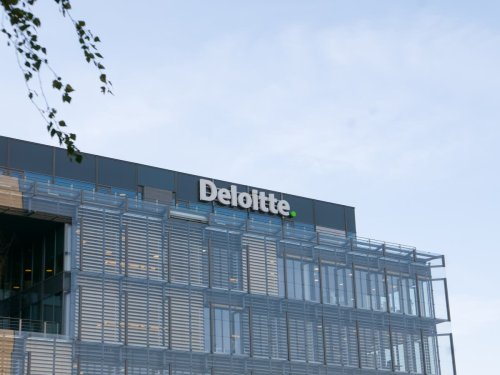 Deloitte tells its 20,000 UK employees they can work from home forever