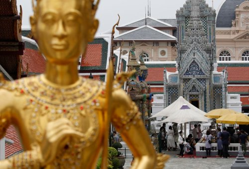Monk chops off own head for good luck in the afterlife
