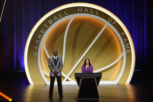 'Dear Kobe, thank you': Lakers legend Bryant enshrined in Hall of Fame