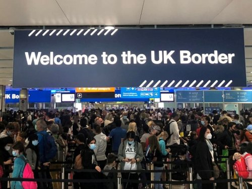 UK border queues stretching to hours as airport e-gates fail