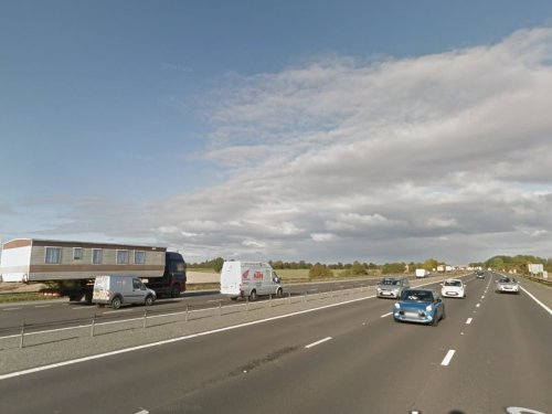 Motorway closed after unexploded World War Two bomb found on new housing estate