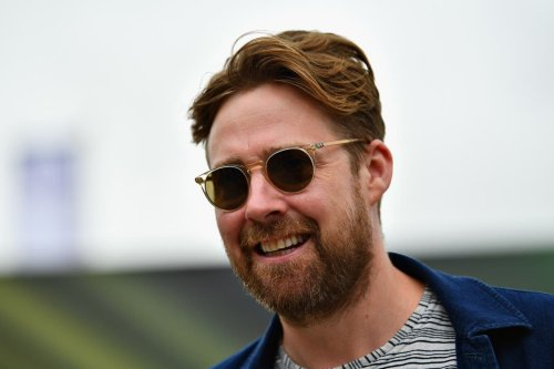 Kaiser Chiefs frontman tells anti-vaxxers 'Twitter is yours' amid backlash