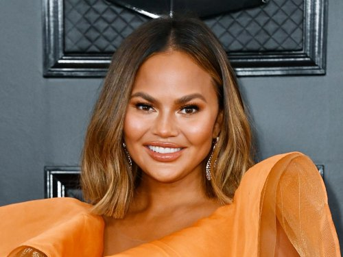 Chrissy Teigen returns to Twitter 22 days after quitting for good