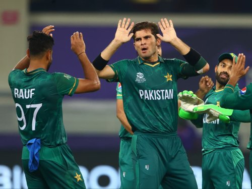 Pakistan record historic 10-wicket victory over India at T20 World Cup