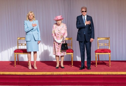 Royal expert claims Biden broke etiquette rules by wearing sunglasses to meet the Queen