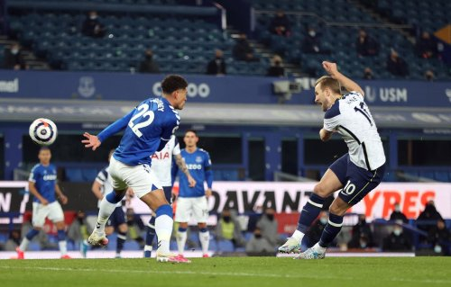 Harry Kane rescues struggling Spurs after Everton's helping hand