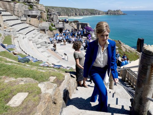 Dowden forced to delete tweet claiming Cornish clifftop theatre got Covid cash