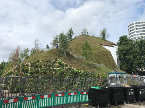 'A waste of money': Londoners pour scorn on artificial hill installed beside Marble Arch