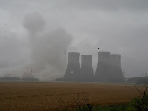 'End of an era': Locals gather to watch the demolition of Eggborough power station