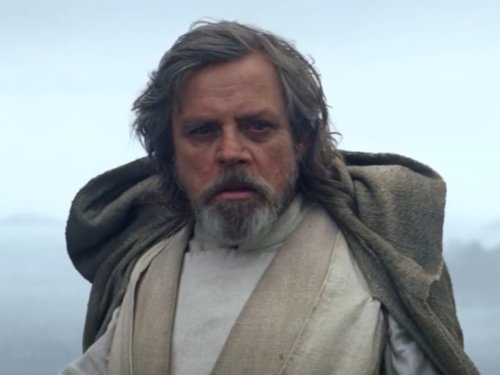 Mark Hamill mocks his silent appearance in Star Wars: The Force Awakens