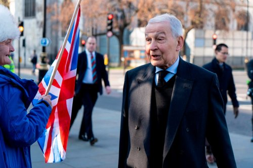 Terminally ill former MP Frank Field announces his support for assisted dying law
