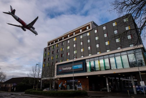 Hotel quarantine travellers to be allowed out of rooms for 'gulps of fresh air', minister says
