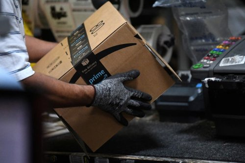 Frustrated worker's email to Bezos may change way Amazon pays everyone