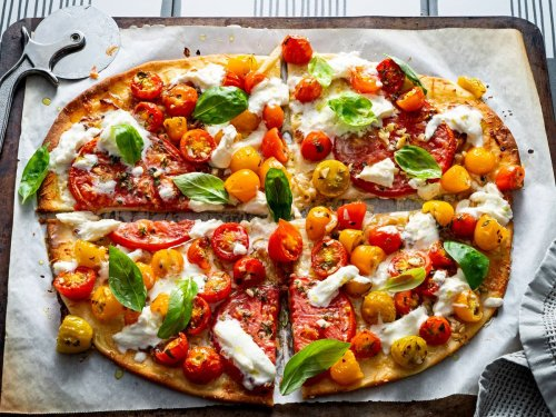 This is the perfect summer pizza