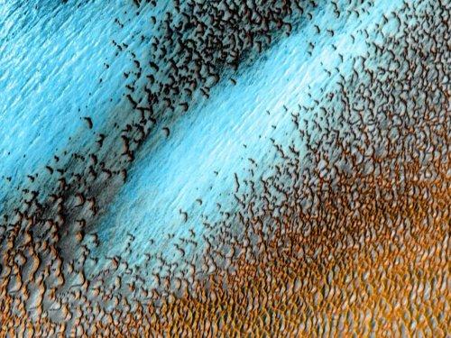 Nasa shares amazing image of blue dunes on Mars