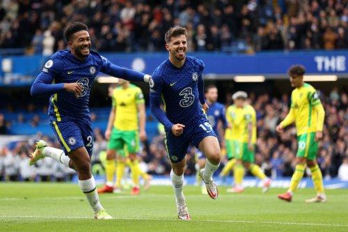 Mason Mount scores hat-trick as leaders Chelsea put seven past abysmal 10-man Norwich