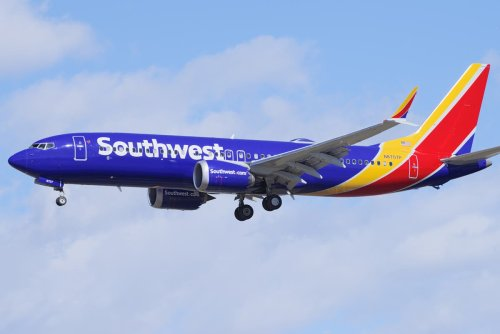 Family kicked off flight after autistic child struggles with mask