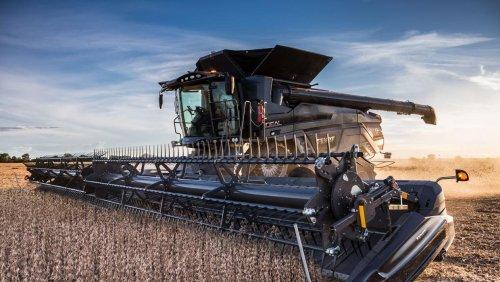 'AutoDock' system speeds up combine harvester movements between fields