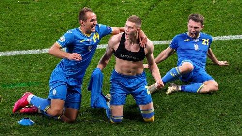 Artem Dovbyk snatches dramatic last-gasp winner as Ukraine book England date