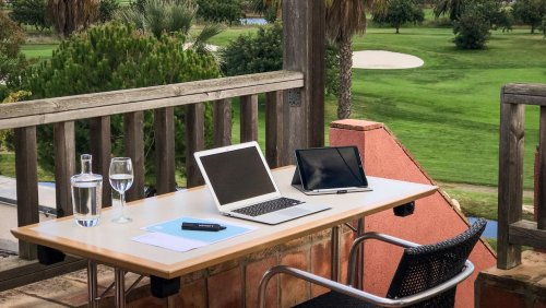 Remote working - three warm weather options for setting up your desk overseas