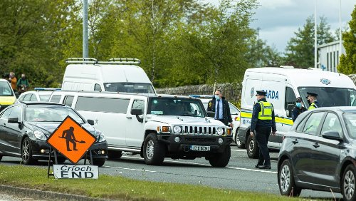 Heavy garda presence outside halting site as judge rules that wedding marquee must be removed