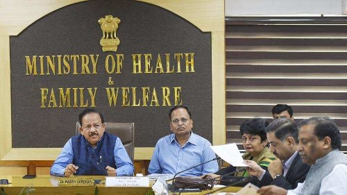 'Health minister didn't suggest': Centre on Maharashtra's plan to halt vaccination for 18-44 age group