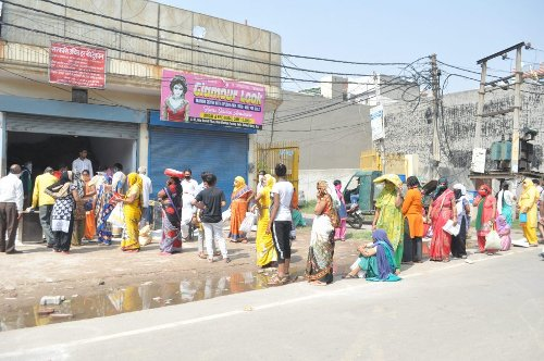 Uttarakhand: All shops of Public Distribution System to open for 3 hours from today till May 18