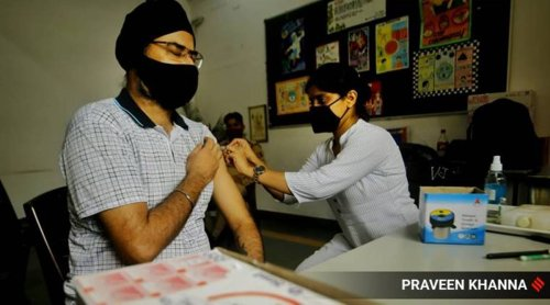 Delhi govt order restricting Covishield for second doses to continue